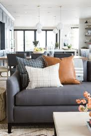 Brown Couch Decor Living Room by Best 25 Throw Pillows Couch Ideas On Pinterest Brown Couch