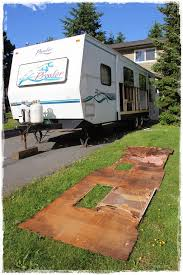 2000 Prowler Travel Trailer Floor Plans by This Family Saved A 1997 Prowler Trailer From The Grave