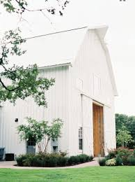 The-white-sparrow-barn-quinlan-texas-wedding-7-min - Trendy Bride Barn Wedding Venue Inside The White Sparrow Alex Ryans Day Quinlan Angel And Mike Sneak Peek White Sparrow Barn Wedding Rachel Cord Alba Rose Photographywhite Engagement Session Fairy Tale Photographyfairy Photography Dusty Will Houston Inspiration Southeastern Bride Early Fall Elopement At Green Dallas Photographer Amy Karp Tarin Inspired Beauty Beast Thetarnoscom Jake Bradie