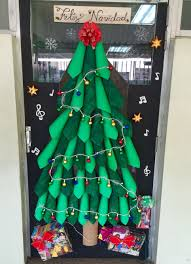 Christmas Door Decoration Ideas For Classrooms Harambeeco