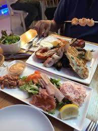 plateau bar cuisine mixed grill chef s choice and plateau seafood bar picture of