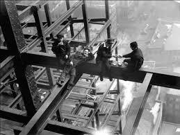 kunstdruck workers lunch atop beam 1925 bei europosters