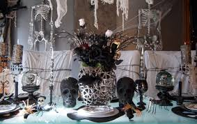Easy And Stylish Halloween Dining Room Decorating Ideas