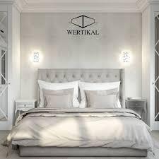 großes komfortables stilvolles schlafzimmer im klassischen