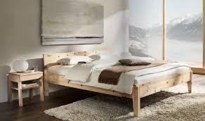 ein traumbett aus zirbenholz zimmer schlafzimmer bett