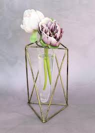 Metal Vector Flower Vase Stand