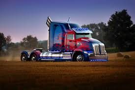 Wallpapers Transformers: The Last Knight Lorry Optimus 4791x3194