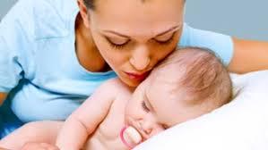 a quel age bébé dort dans sa chambre bébé doit il dormir dans la chambre des parents