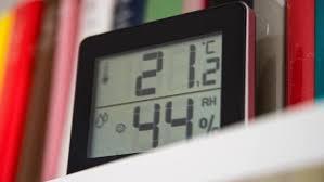 luftfeuchtigkeit im haus hygrometer schützen vor