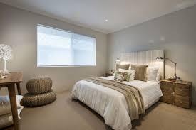 chambre blanc beige taupe design interieur chambre coucher moderne acents blanc beige table