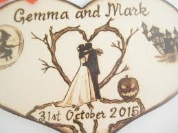 Halloween Wedding Cake Topper Bride And Groom Silhouette Wood Heart Rustic Gift For Couple Pyrography PERSONALIZABLE