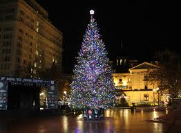 Christmas Tree Shop Locations Salem Nh by 13 Magical Christmas Towns In Oregon