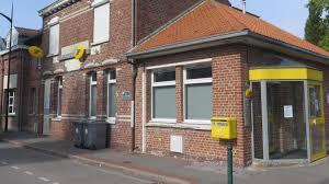 au bureau henin beaumont la fermeture annoncée du bureau de poste s invite au conseil