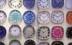 Will my iPhone change time automatically when the clocks go back