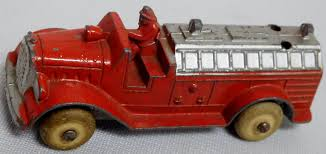 Vintage 1940's Tootsietoy Hook And Ladder Fire Truck #236 – Lofty ... Vintage Tootsie Toy Fire Trucks Country Tazures Toys Pickup Trucks Lot 9 Vtg 1970s Diecast Plastic Jeep Uhaul Panel Otsietoy Red Hook And Ladder Truck Facing Front Right Otsietoy Aerial With Extension 1940s Tootsietoy 236 Lofty Antique Water Tower 1920s 4 Color Version Hubley Ladders From The 1930s For Sale Pending Prewar Tootsietoys Article By Clint Seeley