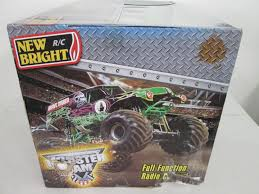 New Bright Monster Jam Radio Control Grave Digger 1:8 Scale 18