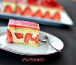 fraisier et décor marbré en pâte d amande cahier gourmand