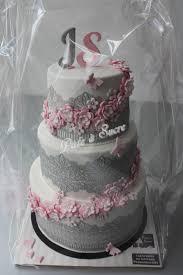 deco gateau en pate a sucre decoration gateau mariage pate a sucre votre heureux photo