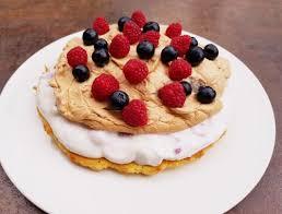 himbeer quark torte mit baiser glutenfreiesleben