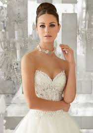 feminine dreamy soft tulle bridal ballgown features