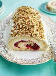 ricardo cuisine noel cranberry raspberry mascarpone and pistachio yule log ricardo