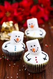 Looking For A Christmas Cupcake Recipe Ive Got You Covered Here Are 10 Super Festive Cupcakes To Try This Year