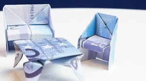 geschenk zum einzug stuhl aus geld falten