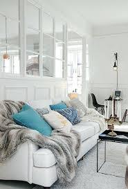 plaid sur canapé plaid canape d angle jetac de canapac pas cher en fausse fourrure