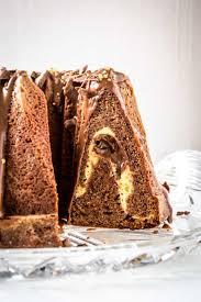 nougat gugelhupf mit cheesecake nutella kern oats and crumbs