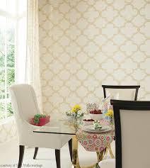 Sophisticated But With A Playful Touch Serendipity Wallpaper From The Pattern Play Collection York Wallcoverings Truly Completes This Dining Room