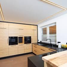 gemütliche küche und wohnzimmer in altholz küche und