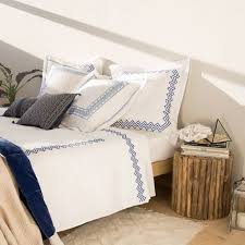 SYMMETRICAL EMBROIDERED PERCALE BED LINEN
