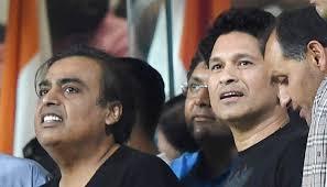 Sachin Tendulkar Consoles Indian Team After WT20 Semi Final Defeat To West
