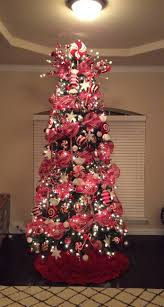 Grandin Road White Christmas Tree by Best 25 Peppermint Christmas Decorations Ideas On Pinterest