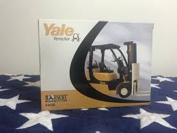 100 Yale Lift Trucks NEW Norscot Veracitor VX Truck 125 Scale DieCast Model