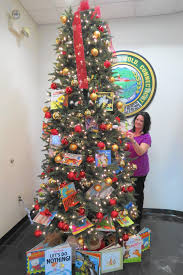 Griswold Christmas Tree Ornament by Griswold Town Hall Offers Kids Books For Christmas Courant Community