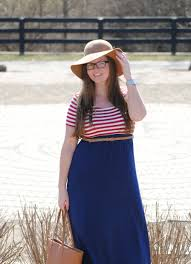 Tips On How To Dress Modestly And Stylishly In The Summer Via DowntownDemure
