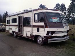 As We Were Heading There Passed An Old RV With A For Sale Sign Dw Was Actually Laughing At It I Said Stop Lets Look