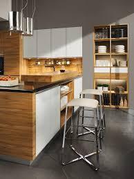 küche linee in weiss mit küchenblock und hochgesetzter