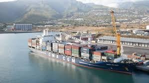 le port la reunion le port de la pointe des galets carrefour de l océan indien pour