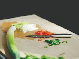 bhv cuisine fiskars implante une gamme d ustensiles de cuisine au bhv rivoli