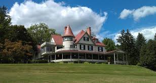 Idlwilde Inn is an 18 room Victorian mansion built in 1892 that