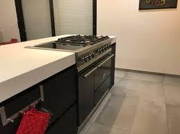 piano cuisine lacanche cuisine en fenix et bois avec piano lacanche noir