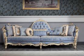 casa padrino luxus barock chesterfield sofa hellblau antik gold 300 x 90 x h 119 cm prunkvolles barock wohnzimmer sofa barockmöbel
