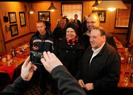 Iowa Machine Shed Davenport Iowa by Photos Mike Huckabee Huckabee Huddle In Davenport Local News