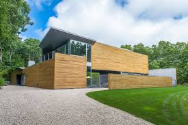100 Sagaponack Village A Modern Home With Glass Walls And Cedar Exterior In The
