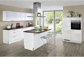 weiße hochglanz küche mit mittelinsel