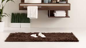 wie wählt seinen badezimmerteppich