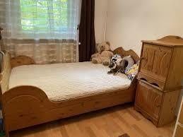 schlafzimmer komplett bett 140 200 kommode und 2 nachtische
