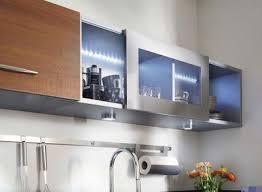 placard haut cuisine cuisine les meubles hauts s allègent côté maison